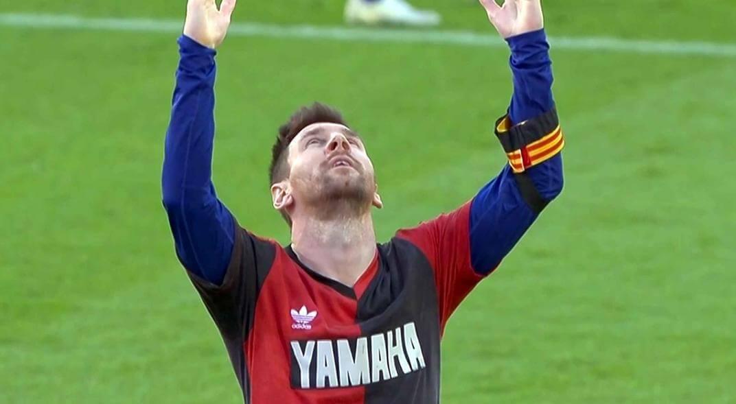 Barcelona, encabezado por su capitán Lionel Messi, rindió hoy un homenaje a  Diego Armando Maradona